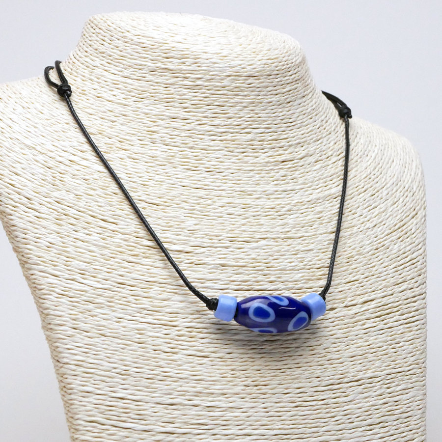 Collana sportiva blu