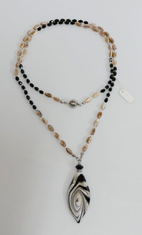 collana lunga nera - beige
