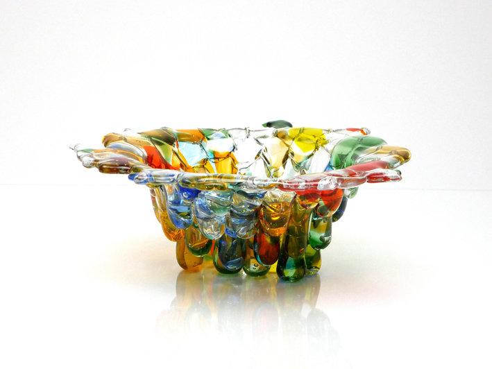 Ciotola di gocce di vetro colorato