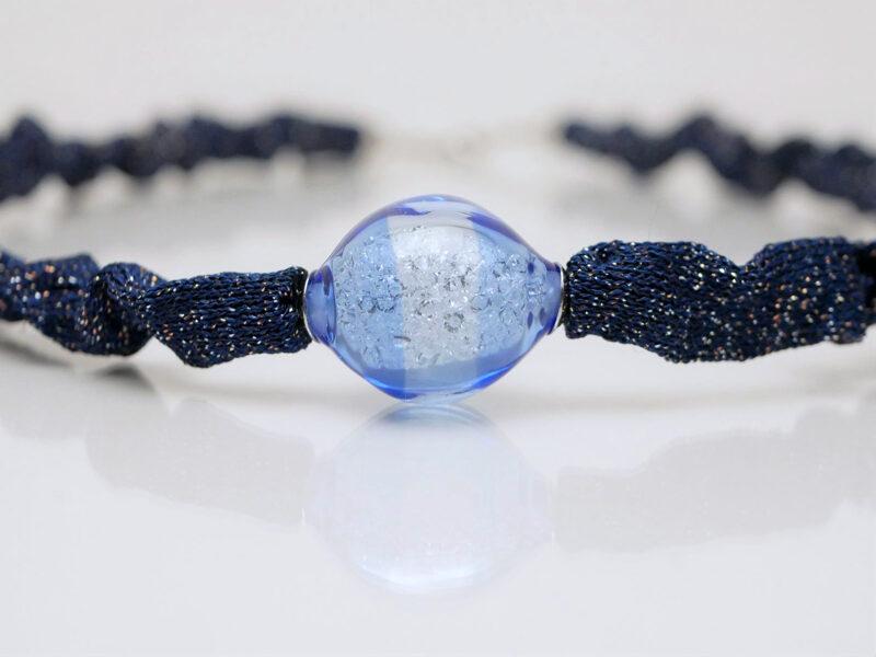collana blu mix di materiali